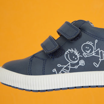 Juniors Printed Shoes with Hook and Loop Closure