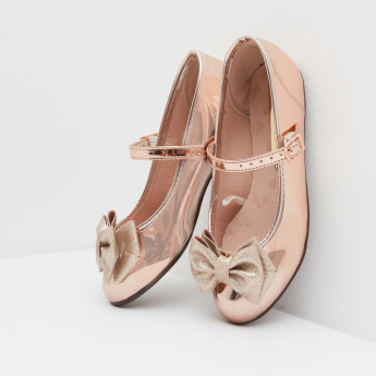 Molekinha Mary Jane Shoes with Metallic Finish and Bow Accent
