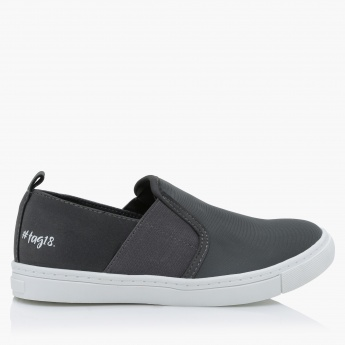 #tag18. Slip-On Sneakers