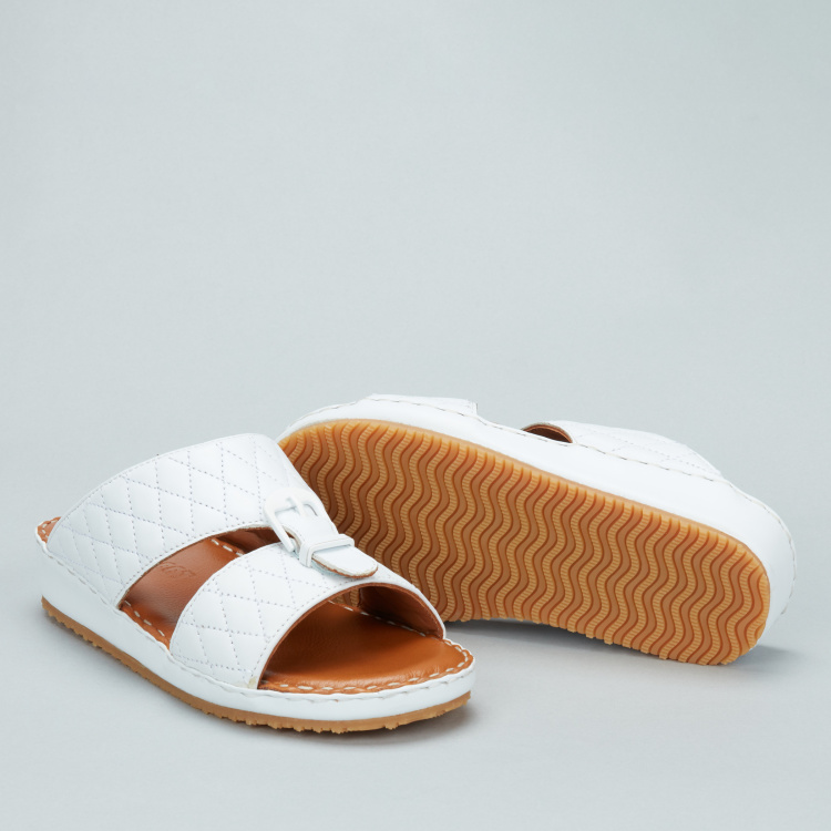 Barefeet Arabic Sandals with Buckle and Stitch Detail