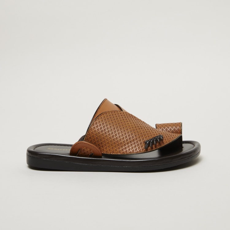 Barefeet Slip-On Textured Arabic Sandals
