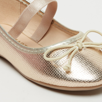 Textured Mary Jane Shoes with Bow Detail