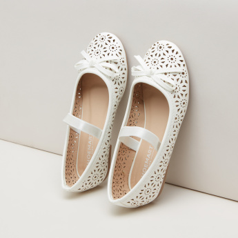 Cutwork Mary Jane Shoes with Bow Applique