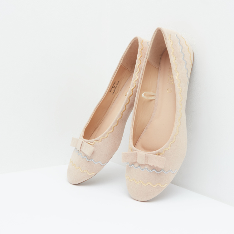 Ballerina Shoes with Applique and Bow Detail