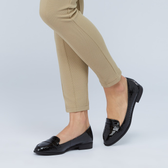 Crocodile Printed Loafers with Vamp Band