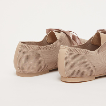 Mesh Shoes with Lace Closure
