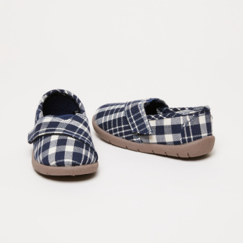Chequered Shoes with Hook and Loop Closure