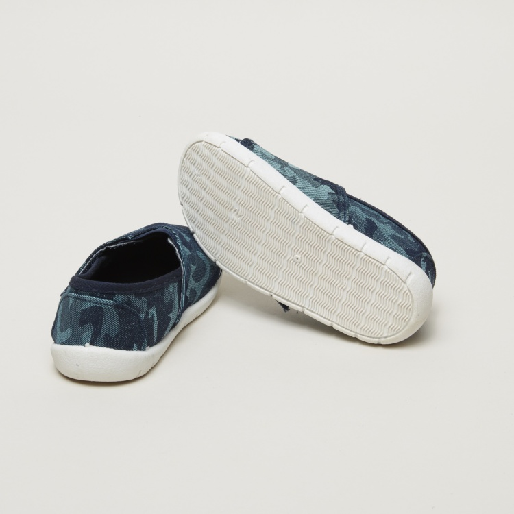 Juniors Printed Slip-On Shoes with Hook and Loop Closure