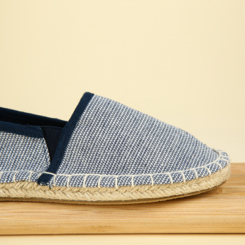 #tag18. Slip-On Espadrille Shoes