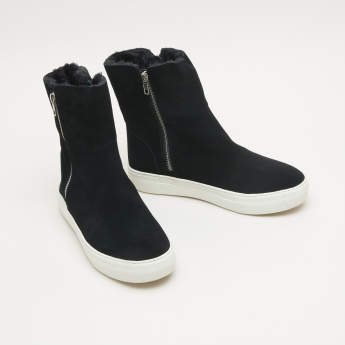 STEVE MADDEN High Top Boots with Zip Closure