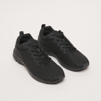 Men's Walking Shoes with Mesh Detail
