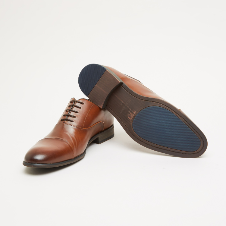 Oxford Shoes with Lace-Up Closure