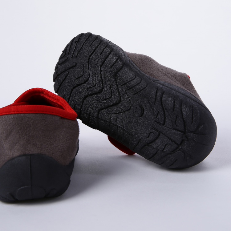 The Lion Guard Printed Shoes with Hook and Loop Closure