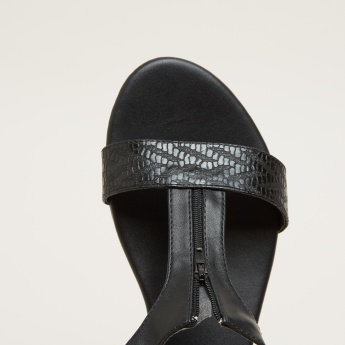 Textured Slides with Zip Closure