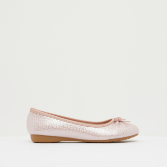 Textured Round Toe Ballerina Shoes with Bow Detail