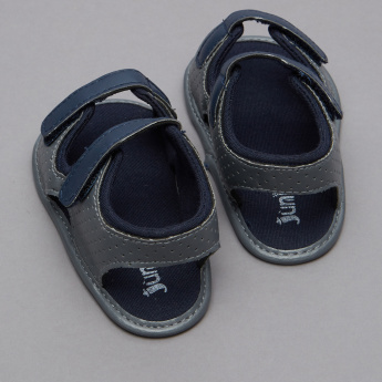 Juniors Textured Sandals with  Hook and Loop Closure