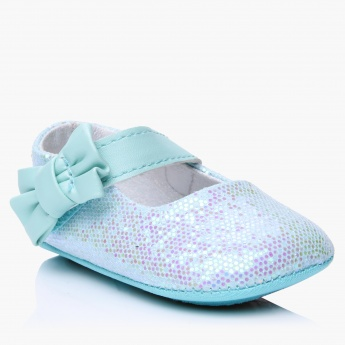 Juniors Slip-On Shoes with Hook and Loop Closure