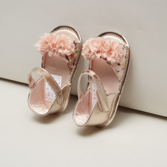 Juniors Ruffle Detail Sandals