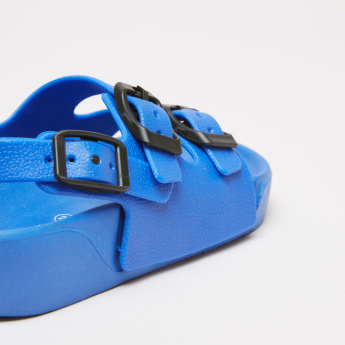 Textured Sandals with Buckle Closure